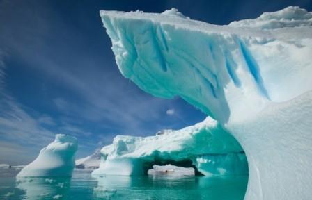 Антарктида по площади занимает место
