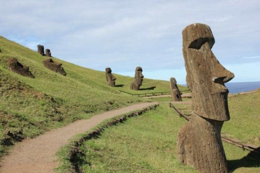 Остров Пасхи Где находится на карте мира фото интересные факты статуи истуканы достопримечательности история