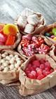 Какие сладости почти не несут вреда, а какие опасны для здоровья
